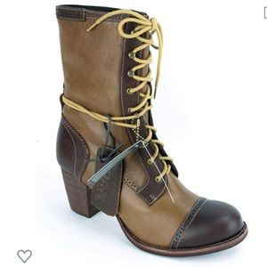 New CAT Leather Roper Boots 7